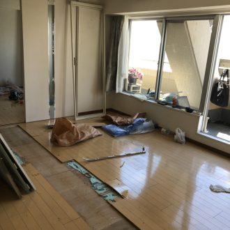 品川のマンションリフォーム介護しやすい住まいにすべく!始まりました〜🎶